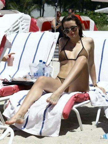 bella-thorne-wearing-sexy-bikini