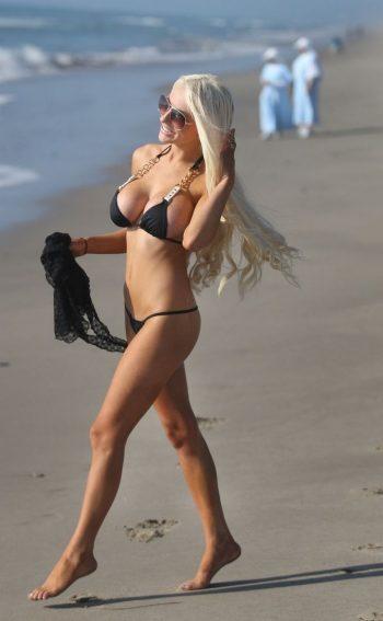 courtney-stodden-in-bikini-pics