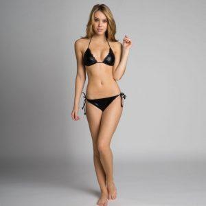 hot-alexis-ren-in-bikini