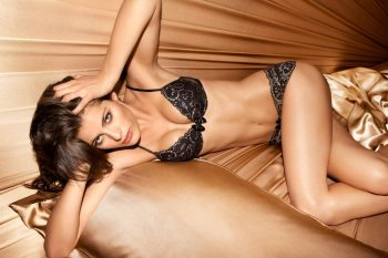 isabeli-fontana-in-sexy-lingerie-pic