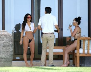 kim-kardashian-hot-photo