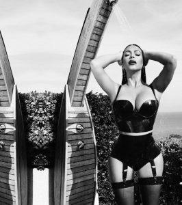 kim-kardashian-sexy-photo_001