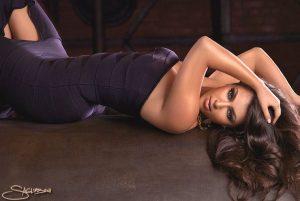 kim-kardashian-shows-off-her-sexy-body