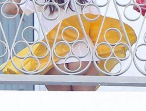 kourtney-kardashian-upskirts-in-miami-photo