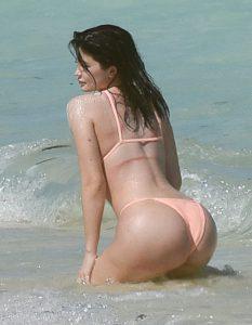kylie-jenner-in-bikini-sexy-ass