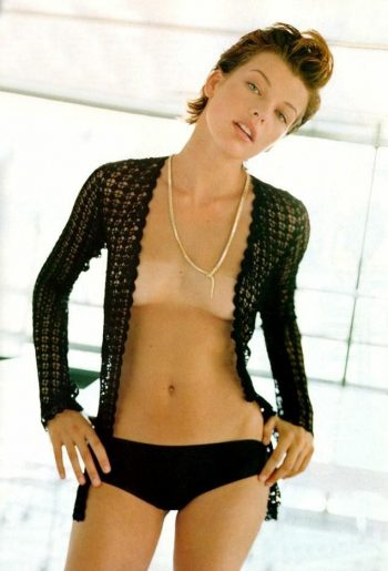 milla-jovovich-nip-slip-photo