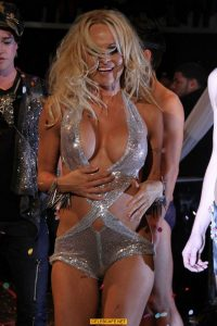 pamela-anderson-see-through-hot-booty_001