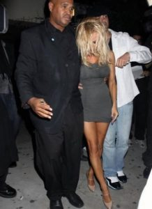 pamela-anderson-upskirt-photo-18