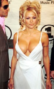 pamela-anderson-without-bra-19