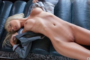 sara-jean-underwood-full-naked-photo