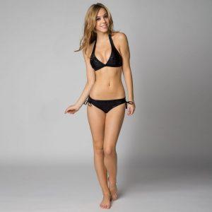 sexy-alexis-ren-in-bikini