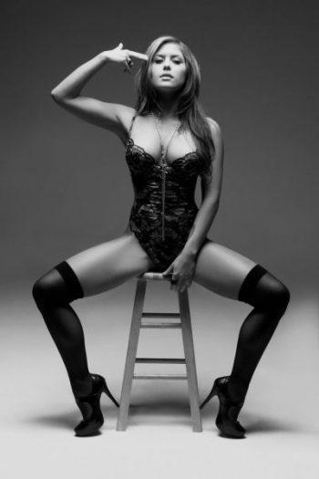 sexy-brittney-palmer-photos
