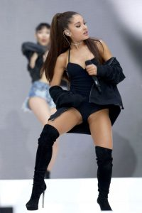 ariana-grande-on-stage-01