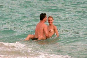 cameron-diaz-topless-paparazzi-photos-13