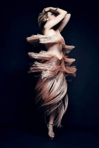 elizabeth-gillies-sexy-photoshoot-1