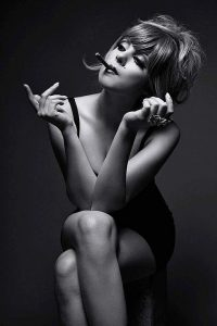 elizabeth-gillies-hot-photo