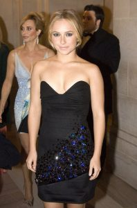 hayden-panettiere-cleavage-pic