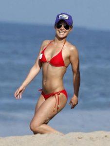 hayden-panettiere-in-bikini-on-beach-in-malibu-09