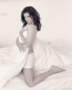 kate-beckinsale-topless