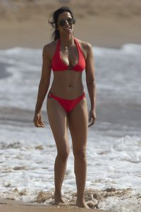 EXCLUSIVE: Padma Lakshmi flaunts her amazing bikini body while vacationing with her daughter in Hawaii