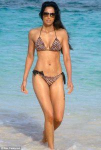 padma-lakshmi-in-bikini