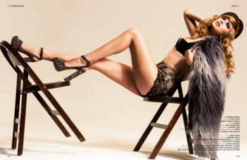 alexia-fast-sexy-legs-photo
