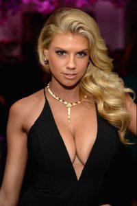 charlotte-mckinney-cleavage