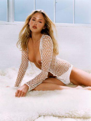 estella-warren-topless-photo