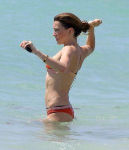hot-katie-cassidy-in-bikini