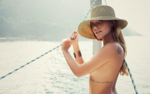 hot-mariana-goldfarb-topless