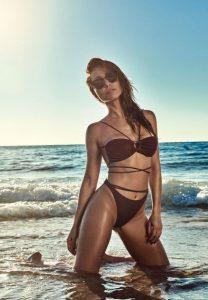 hot-sabrina-sato-in-bikini