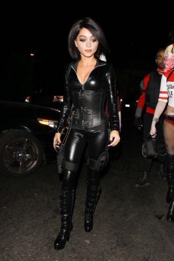 hot-sarah-hyland-halloween-party-photo-10