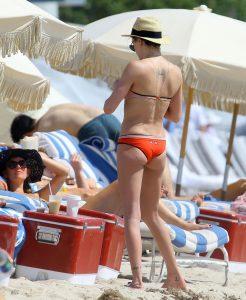 katie-cassidy-sexy-ass-in-bikini-photo