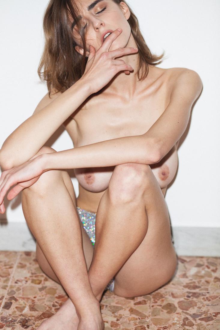 amanda cerny topless-porn clips