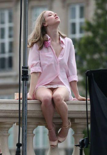 Amanda Seyfried Upskirt Pic