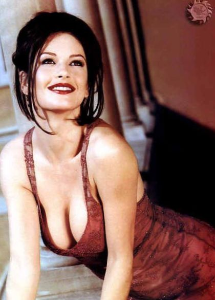 catherine-zeta-jones-side-boob