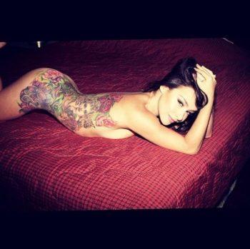 danielle-harris-nude-showing-her-tattoo