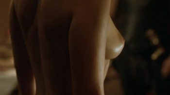 emilia-clarke-naked-game-of-thrones-05