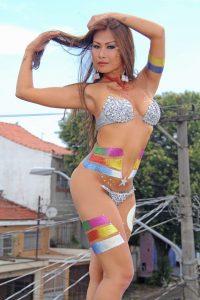 Francine Missaka Half naked