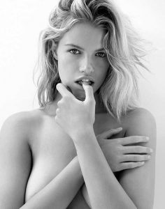 Hailey Clauson Topless Pic