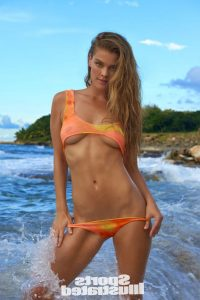 hot-nina-agdal-in-bikini