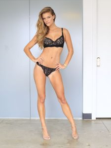 nina-agdal-in-black-lingerie