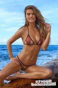 nina-agdal-in-hot-bikini