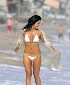 Olivia Munn bikini candids
