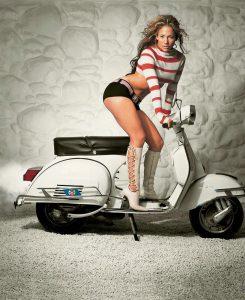 Sexy Jennifer Lopez Braless