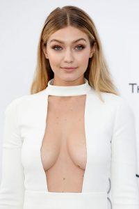 supermodel-gigi-hadid-cleavage