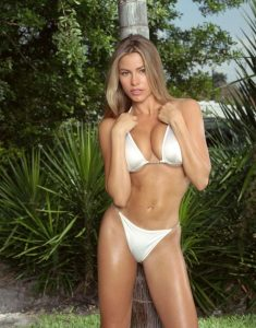 Sofia Vergara in sexy bikini