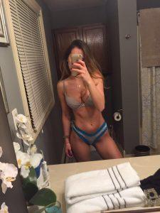 Tika Camaj bathroom selfie