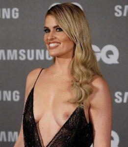 Adriana Abenia nipple slip moment (1)