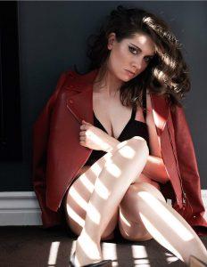 Alison Brie sexy (15)